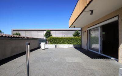Geisingen : Sehr geräumiges Einfamilienhaus in Privatstraße