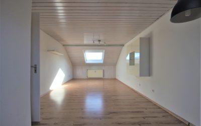 Lauffen am Neckar: wunderschöne 3-Zimmer Dachgeschoss-Wohnung